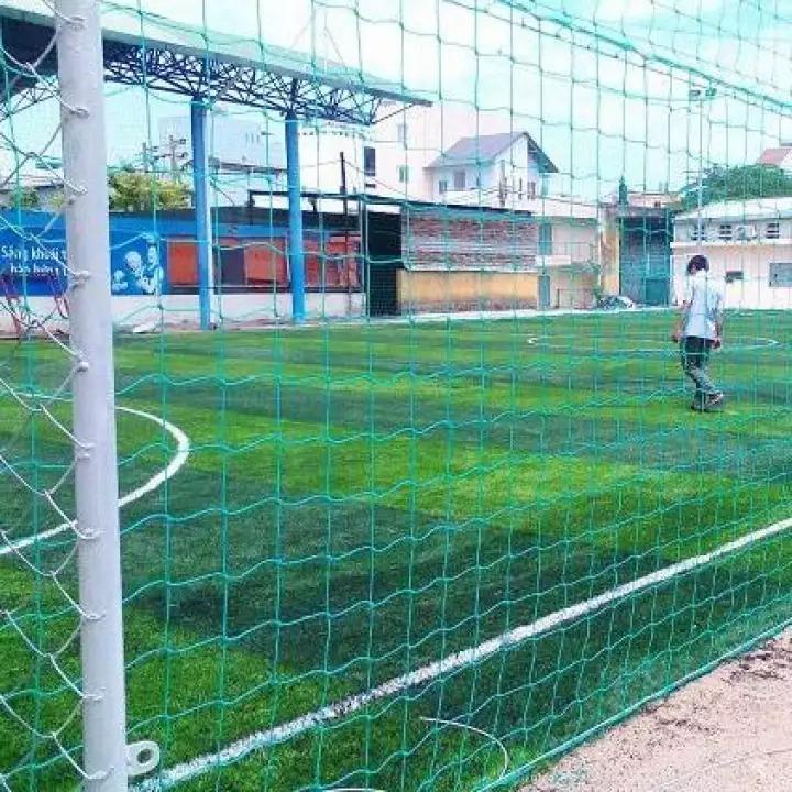 Lưới ráo sân bóng đá